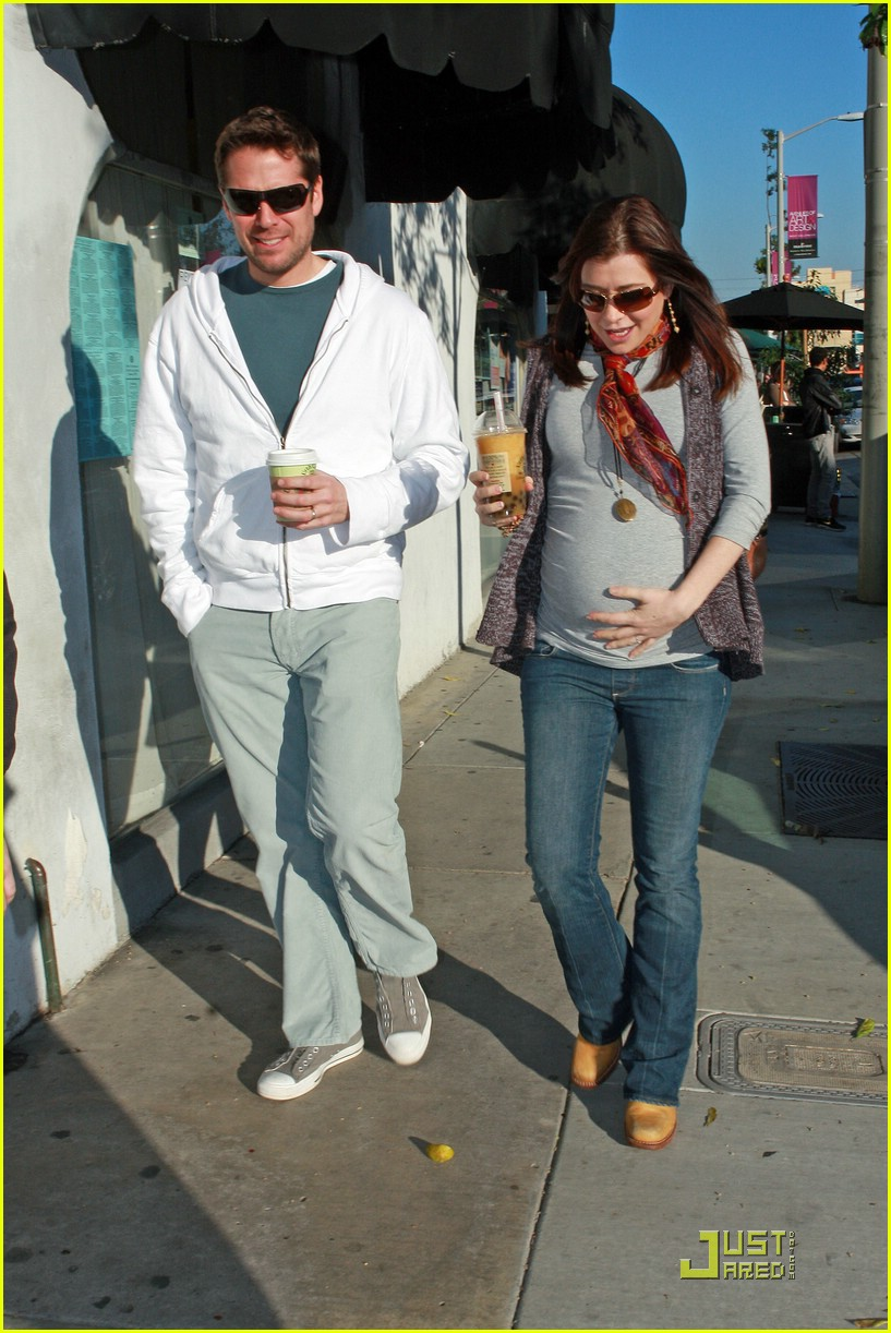 alyson hannigan bubble tea 061629361