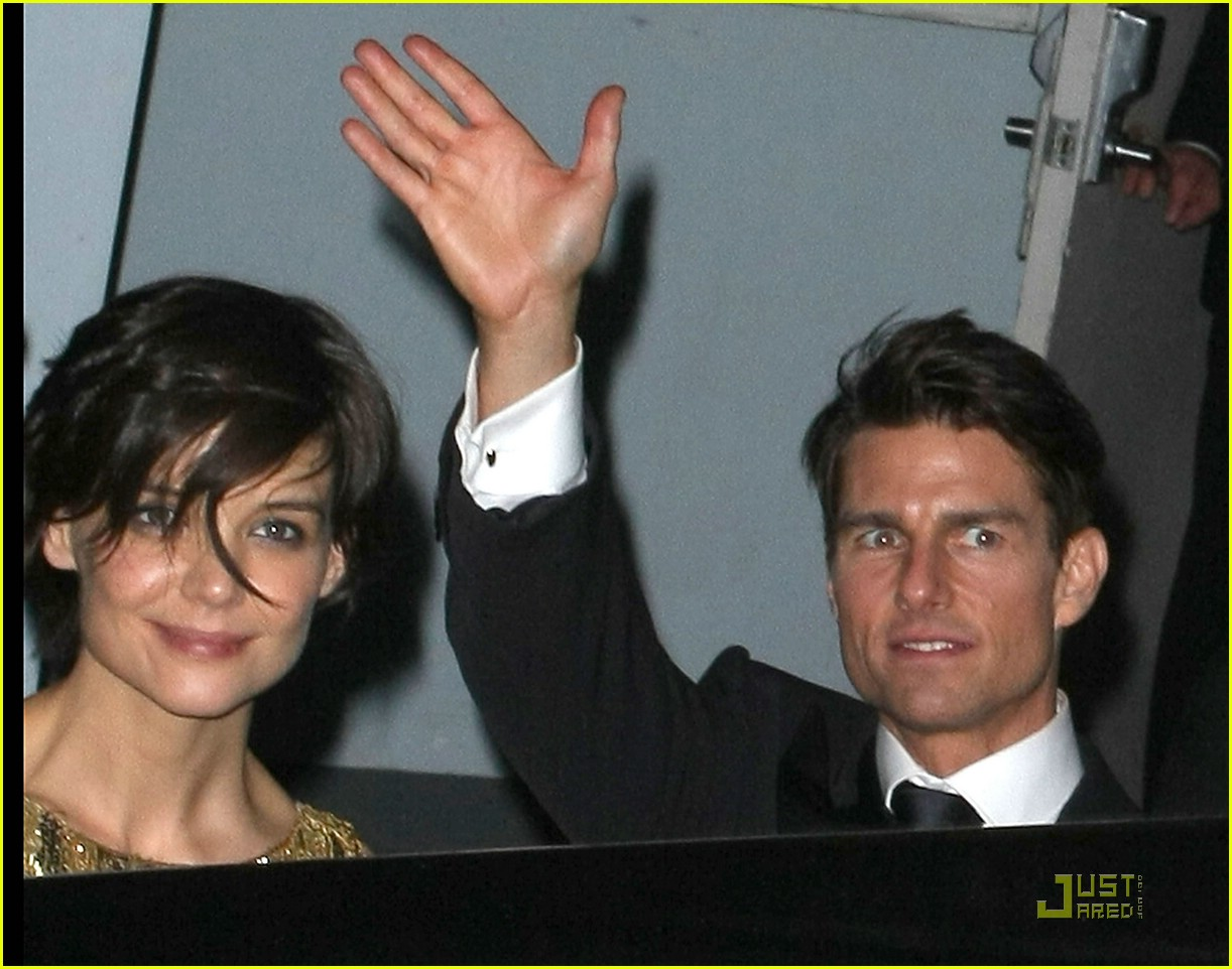 katie holmes golden globes party 021649521