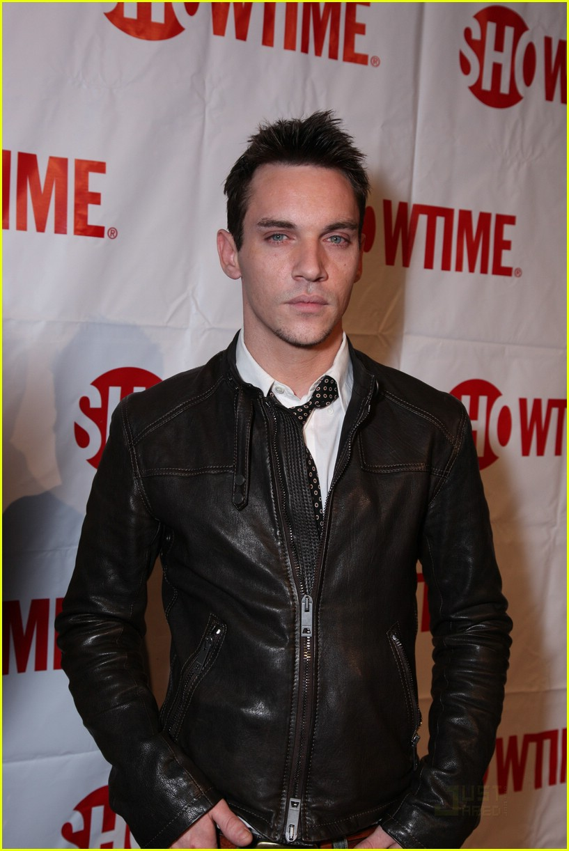 jonathan rhys meyers showtime tcas 01