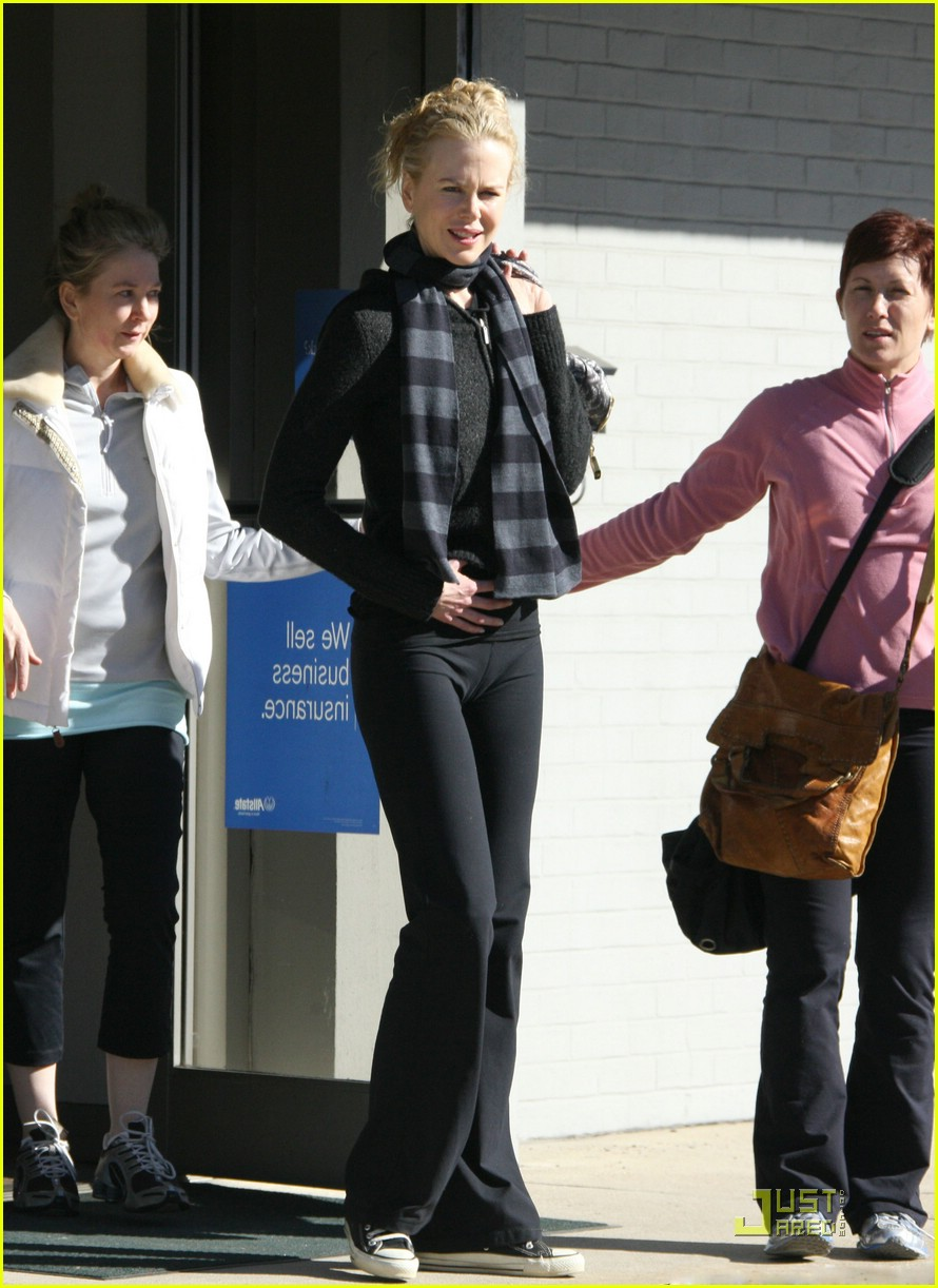 nicole kidman new year yoga 05