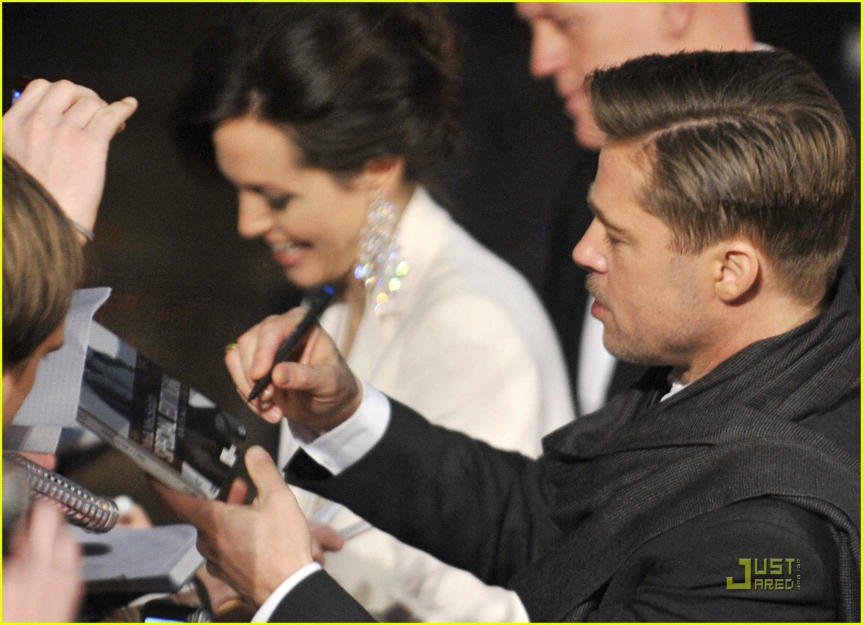 angelina jolie brad pitt benjamin button premiere 35