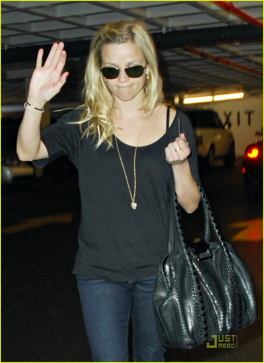 reese witherspoon talk to the hand 06