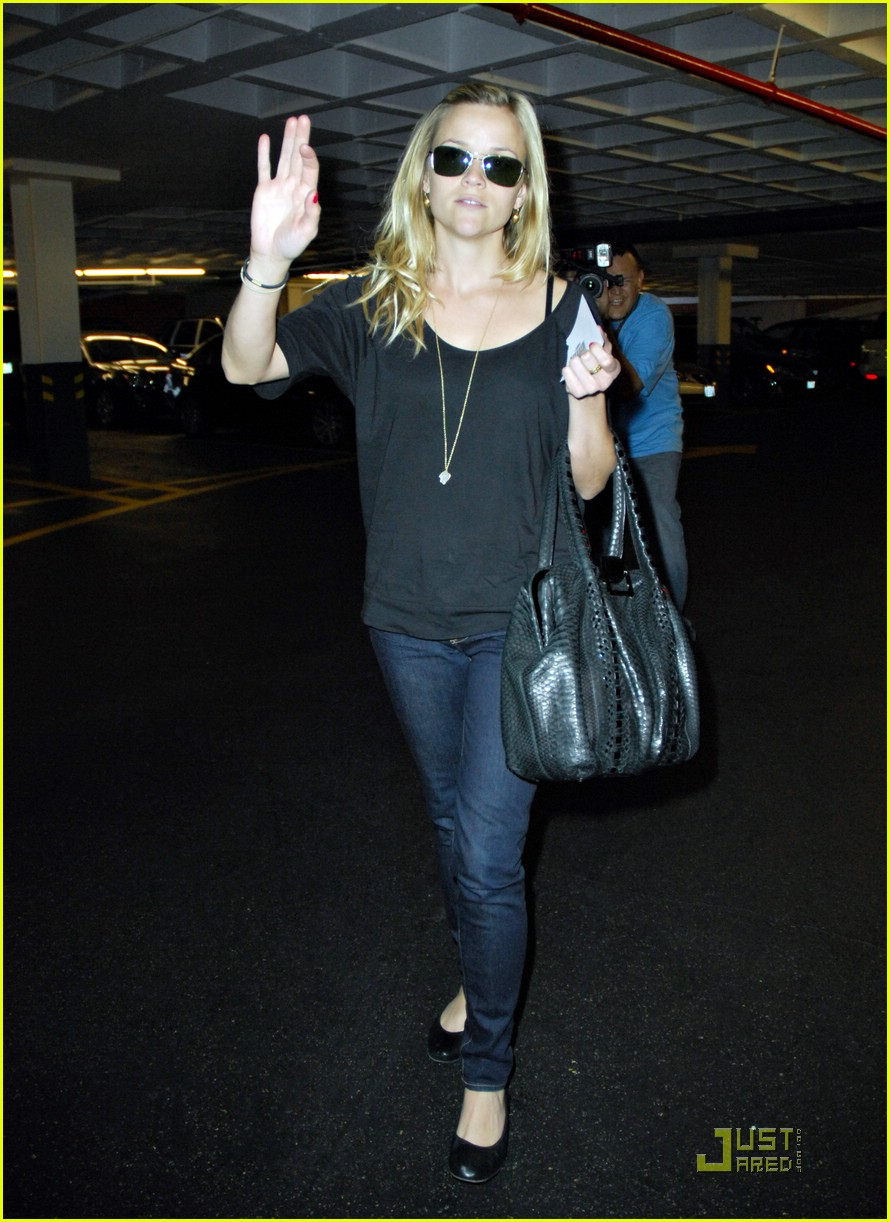 reese witherspoon talk to the hand 10