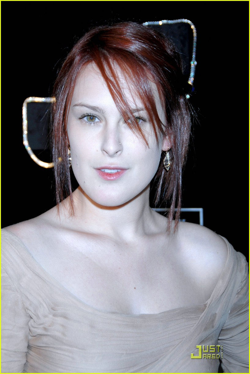 rumer willis season diamond fashion show 02