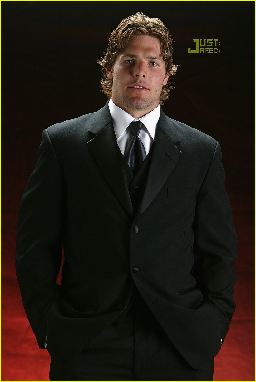 carrie underwood mike fisher couple 04