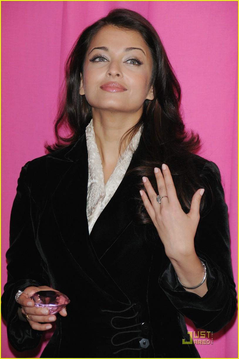 Kareena Kapoor's Delhi reception pics | IndiaToday