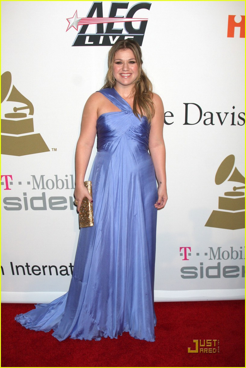 kelly clarkson clive davis salute 35