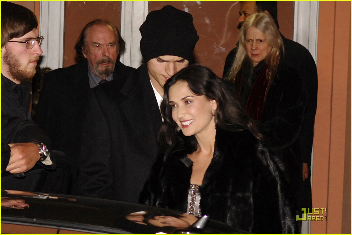 demi moore ashton kutcher berlin germany 15