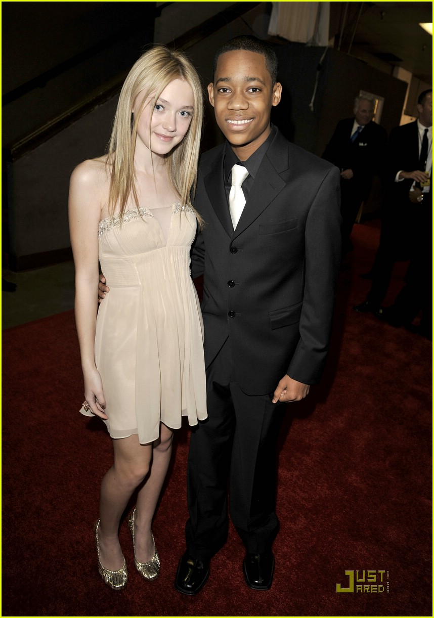 dakota fanning naacp 03