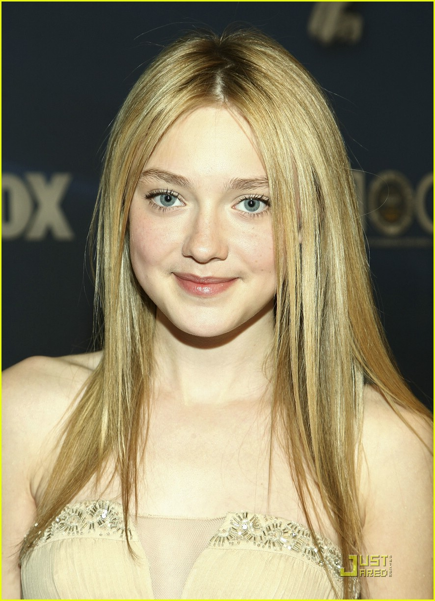 dakota fanning naacp 041722521