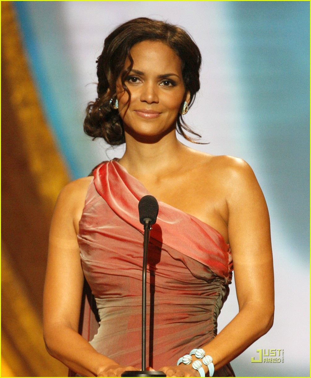 halle berry 2009 naacp 02