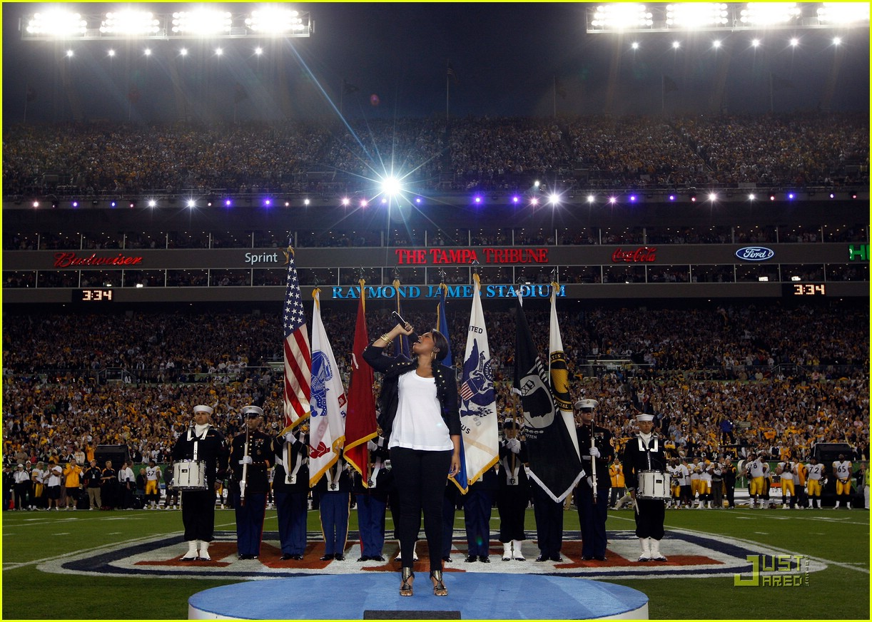 faith hill jennifer hudson superbowl 191694971