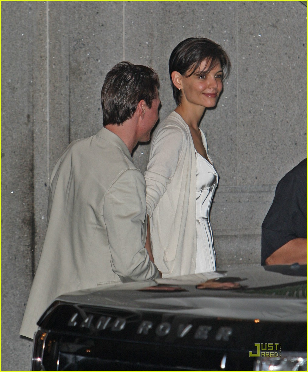 katie holmes whimsically white 01