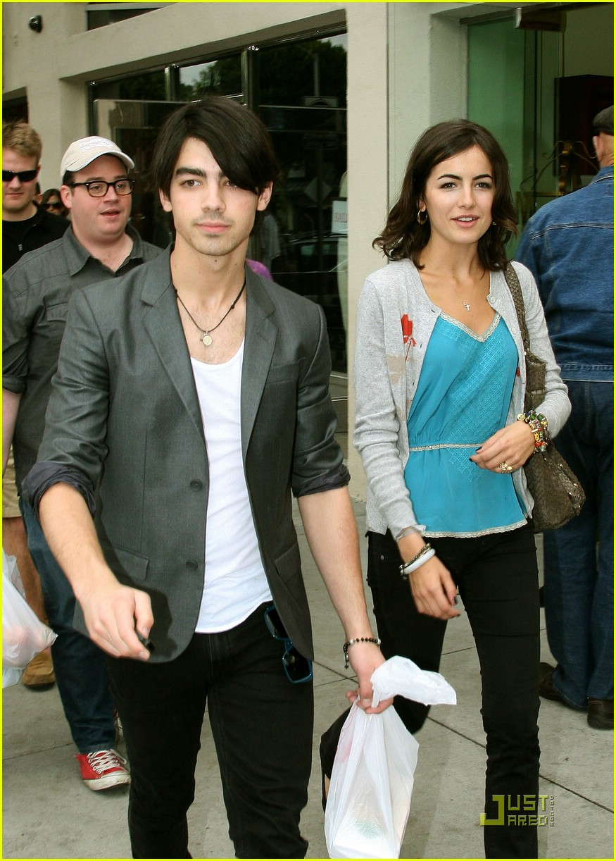 joe jonas camilla belle larchmont lovers 10