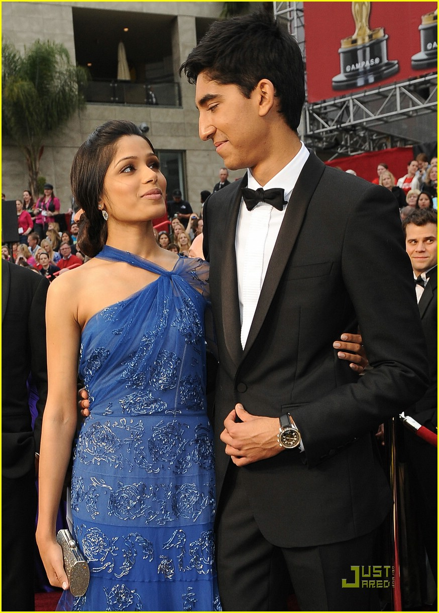 Full Sized Photo of freida pinto dev patel 2009 oscars 04 ...