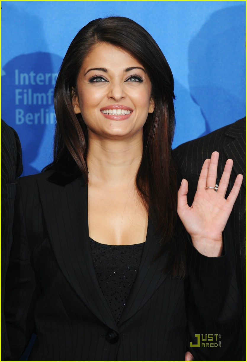 aishwarya rai hearts pink panther 47