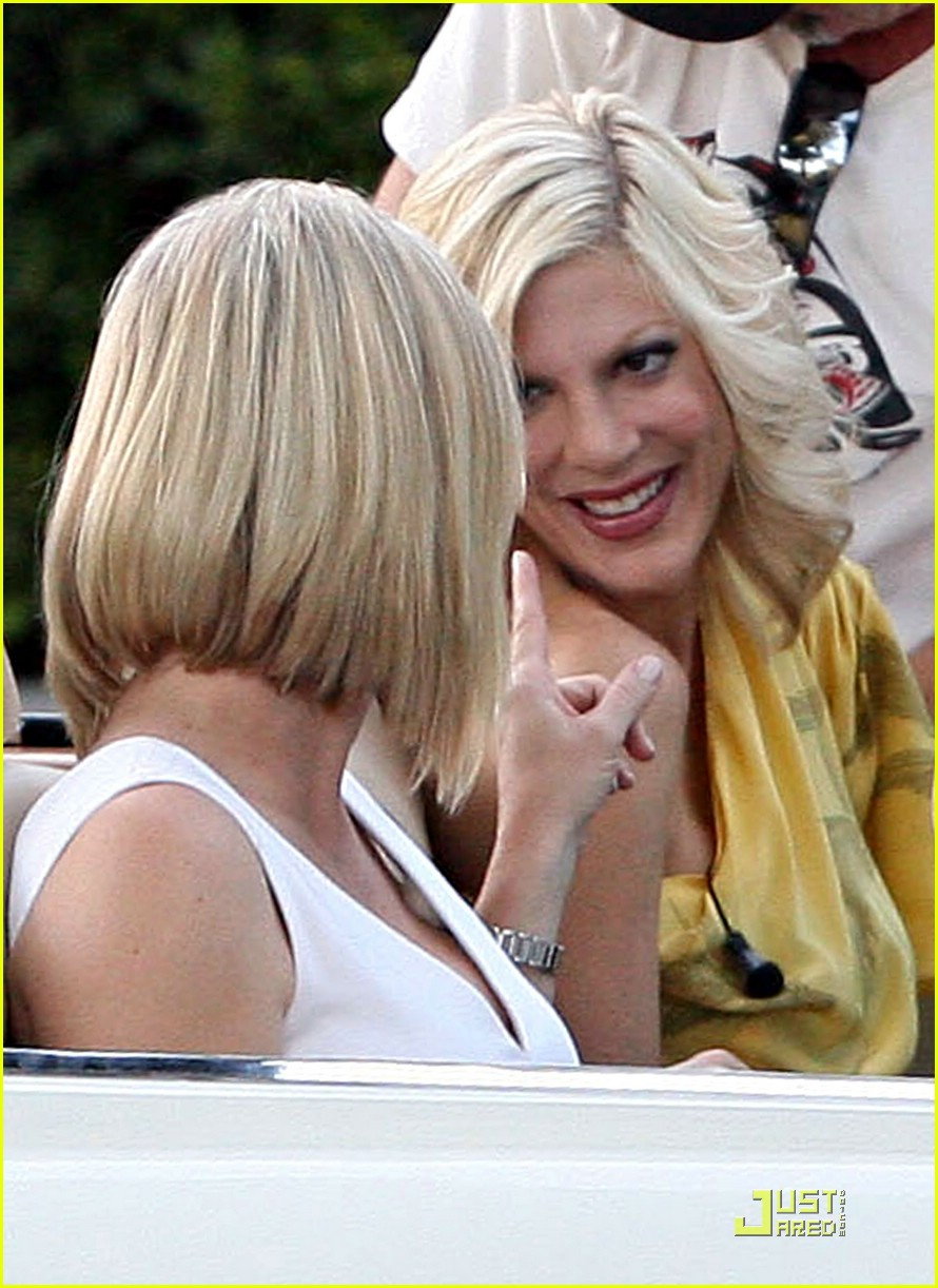 tori spelling jennie garth 90210 06