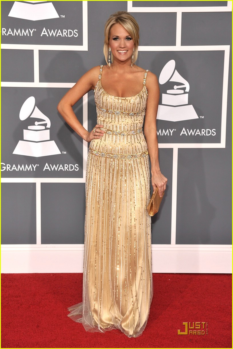 carrie underwood grammys red carpet 2009 05