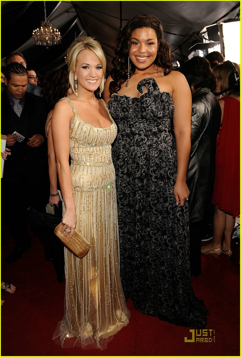 carrie underwood grammys red carpet 2009 18