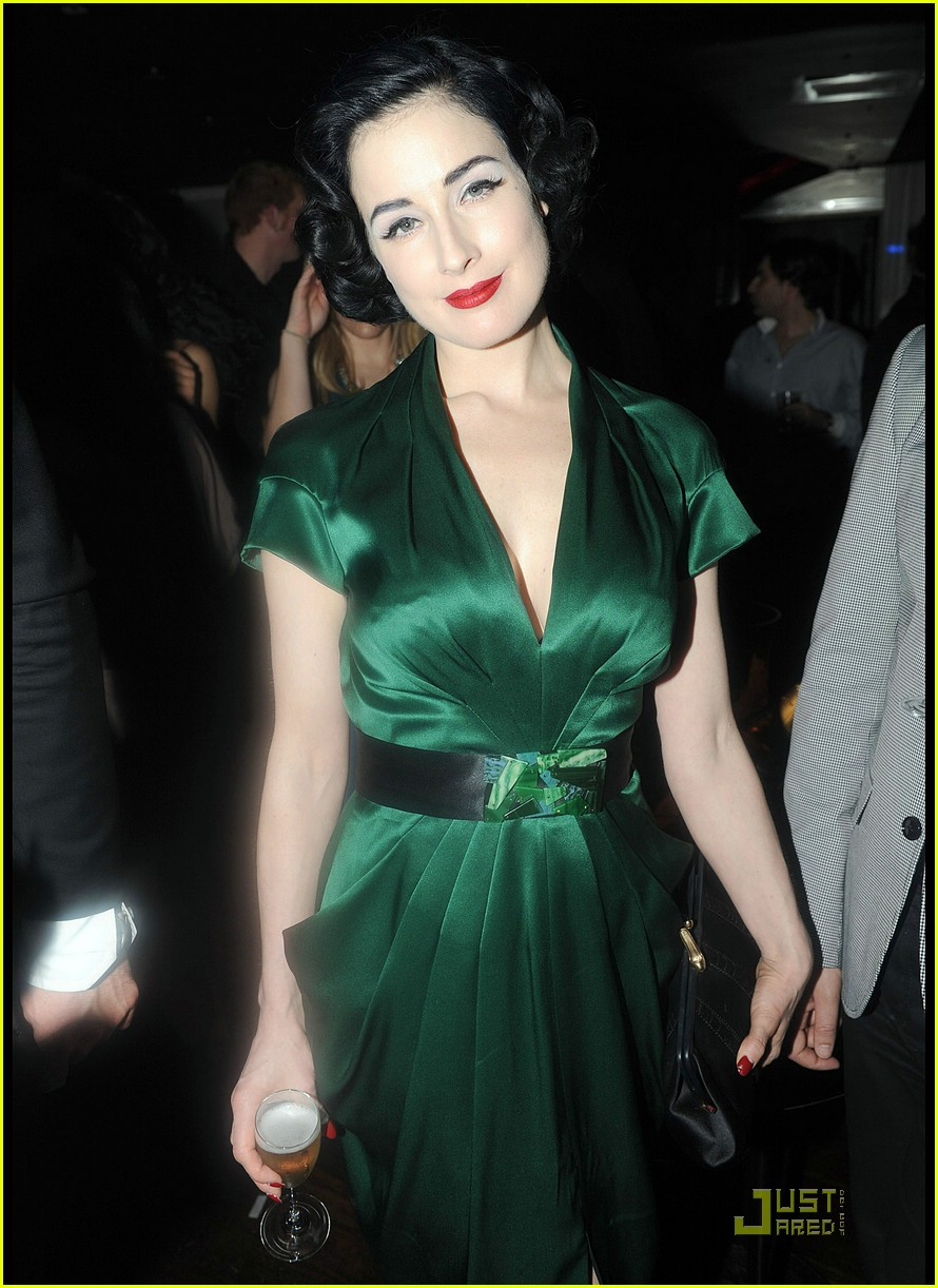 dita von teese letoile 05