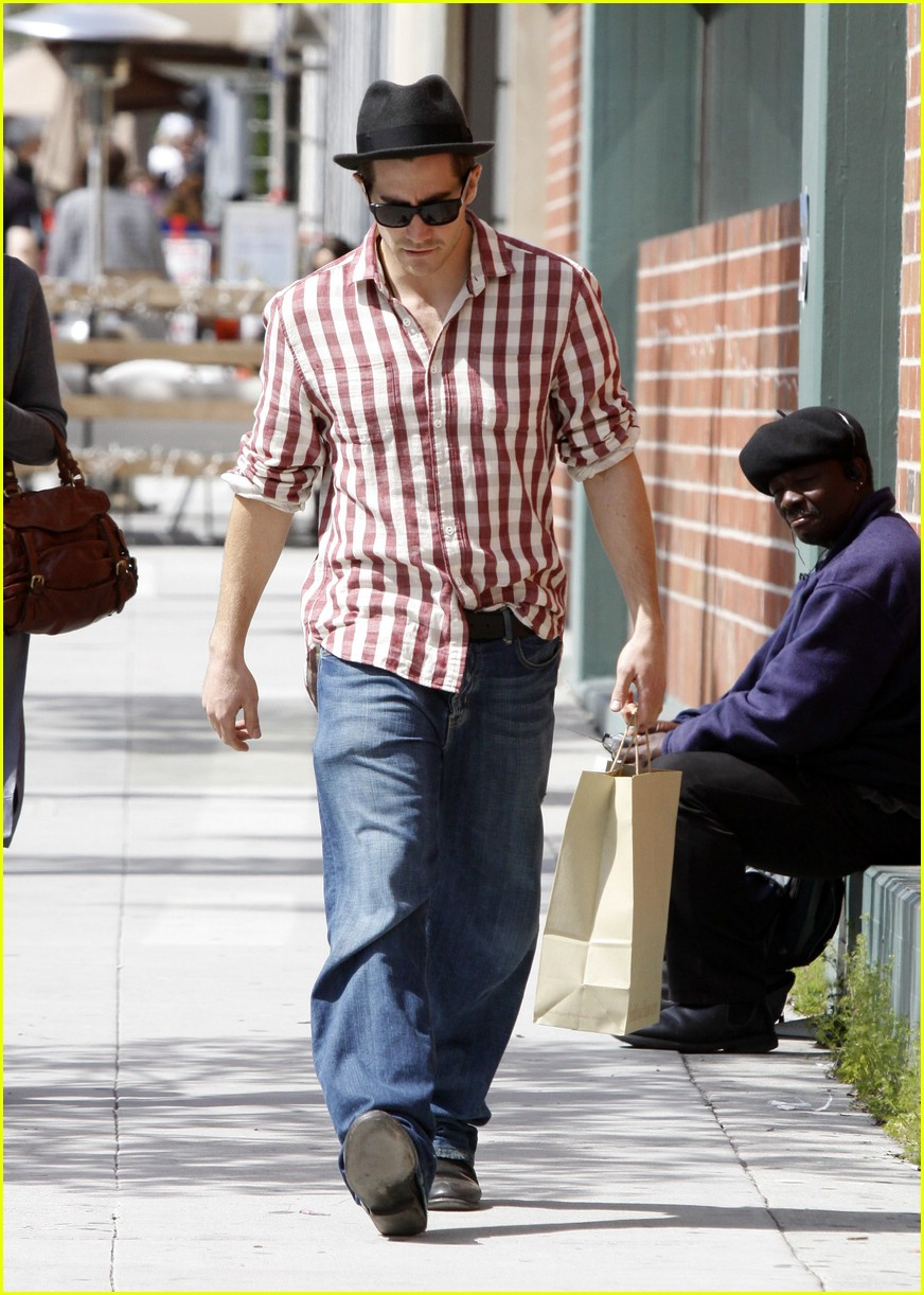 jake gyllenhaal rad plaid 07