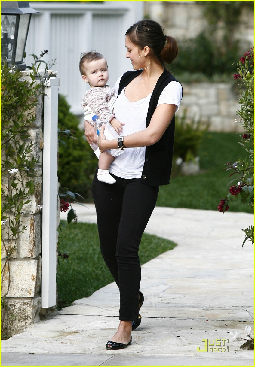 jessica alba honor warren baby talk 13