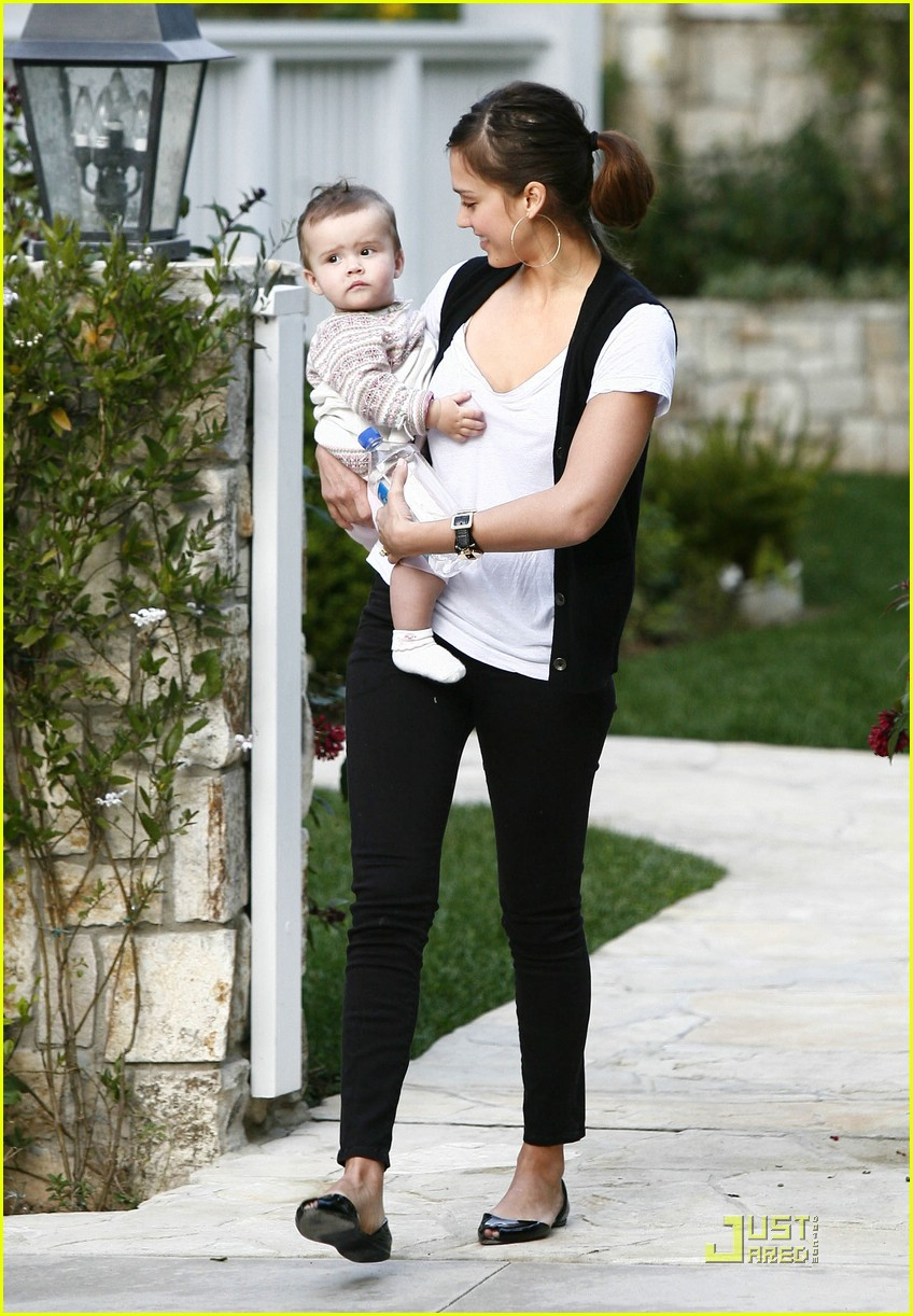jessica alba honor warren baby talk 15