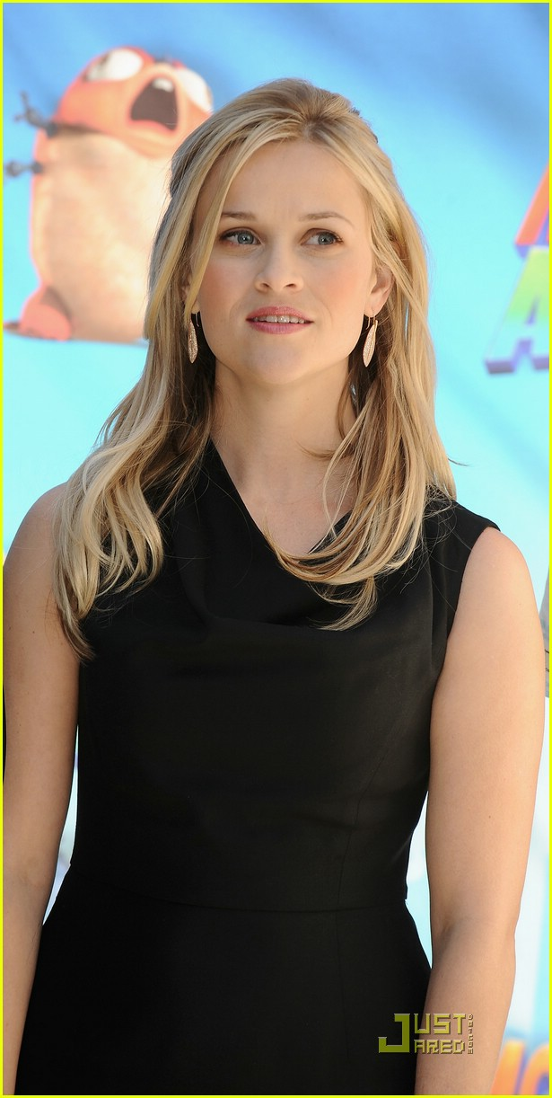 reese witherspoon spain 13