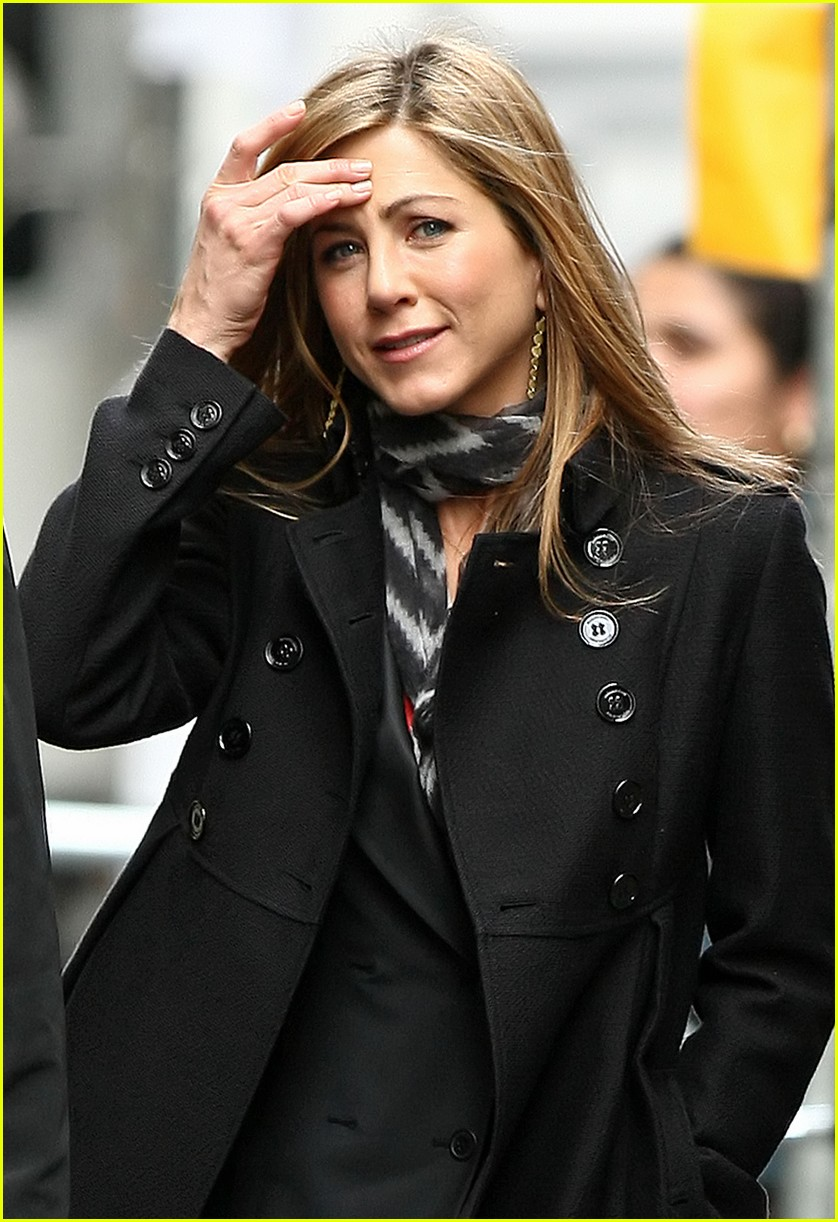 jennifer aniston business 06