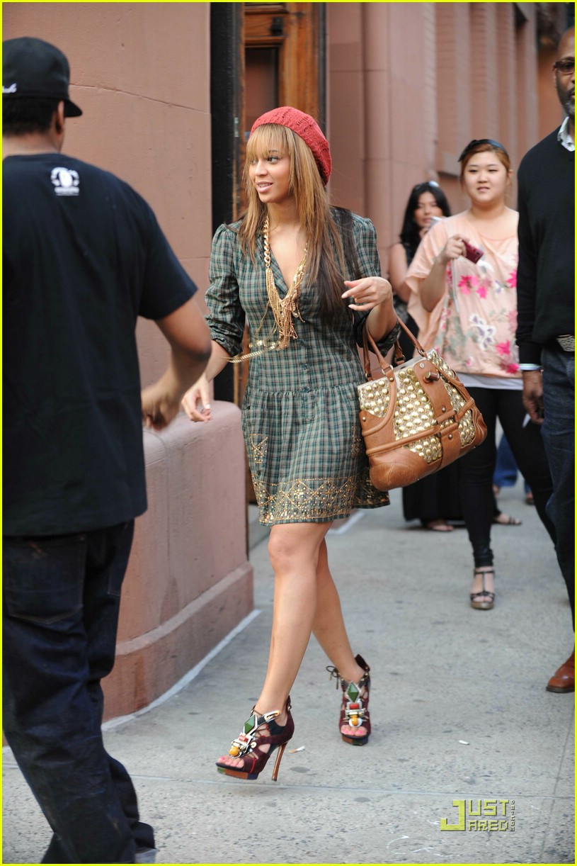Beyonce Dons Lv S Spicy Sandals Photo 1863861 Beyonce