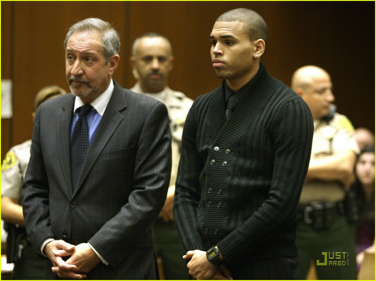 chris brown pleads not guilty 141837981