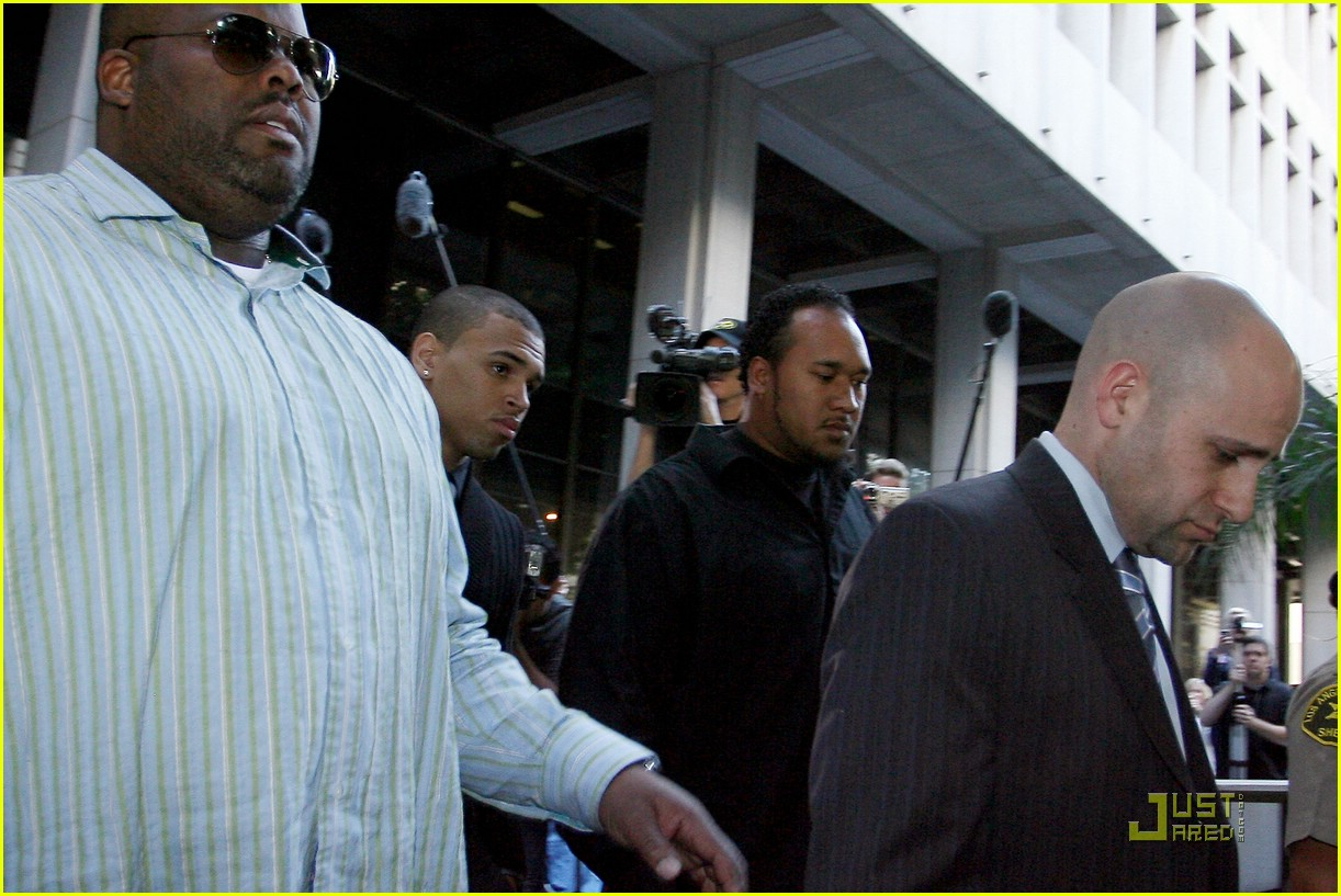 chris brown pleads not guilty 19