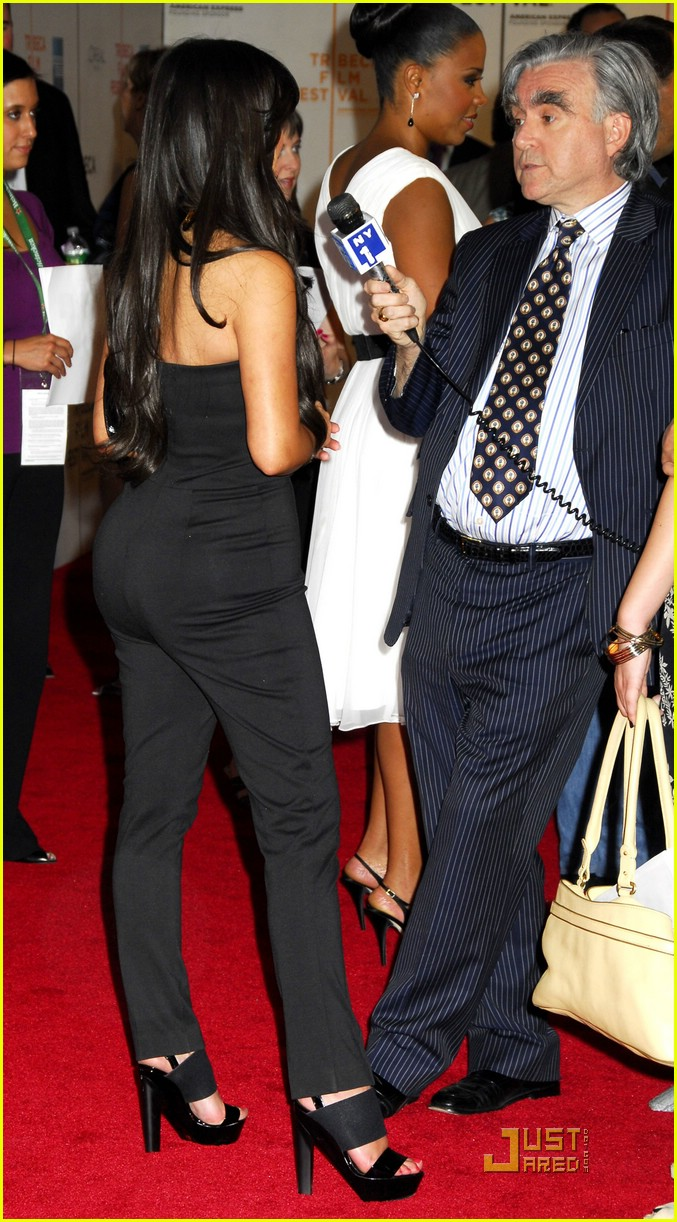 kim kardashian back black 16