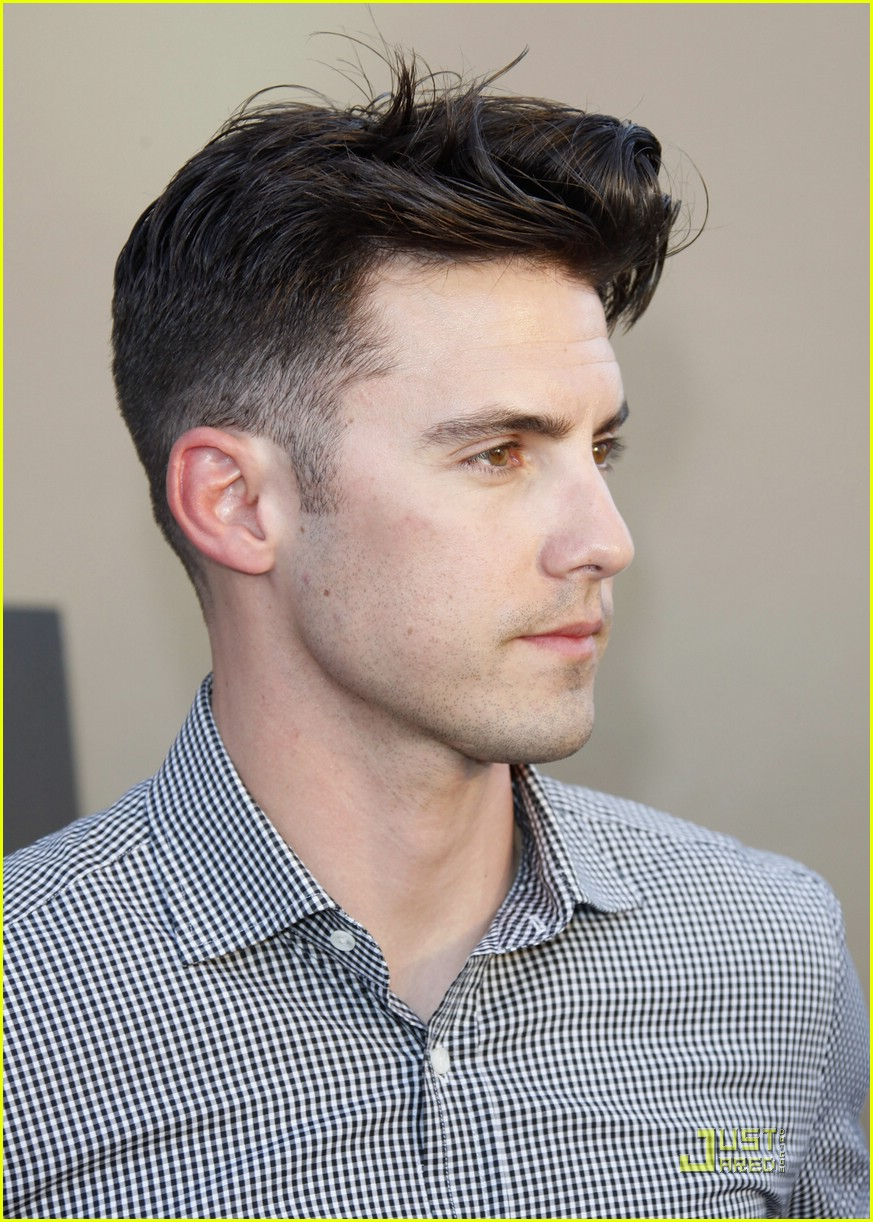 Full Sized Photo Of Milo Ventimiglia Heroes For Autism 02 Photo 1865431 Just Jared