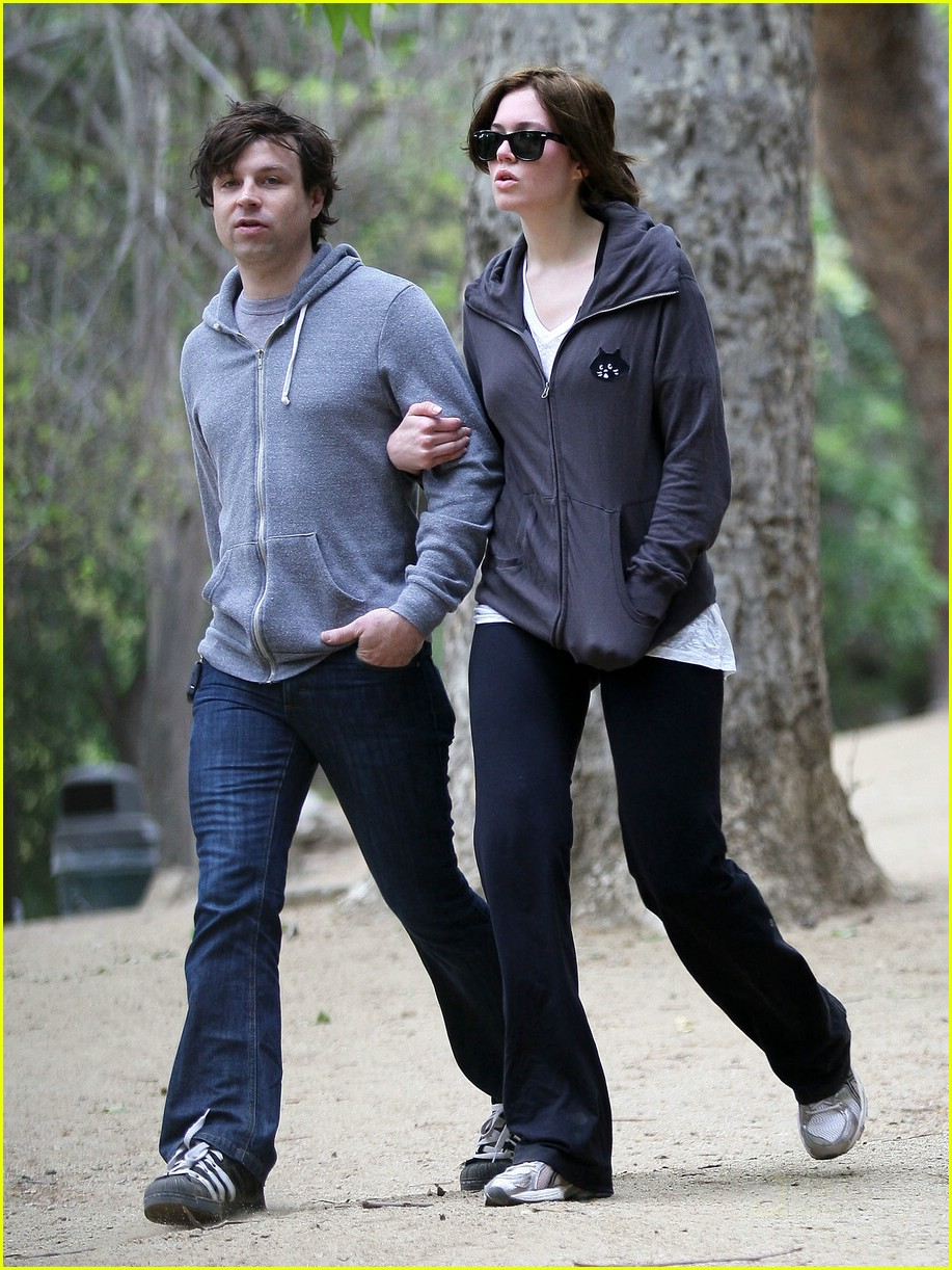 mandy moore ryan adams runyon canyon 03