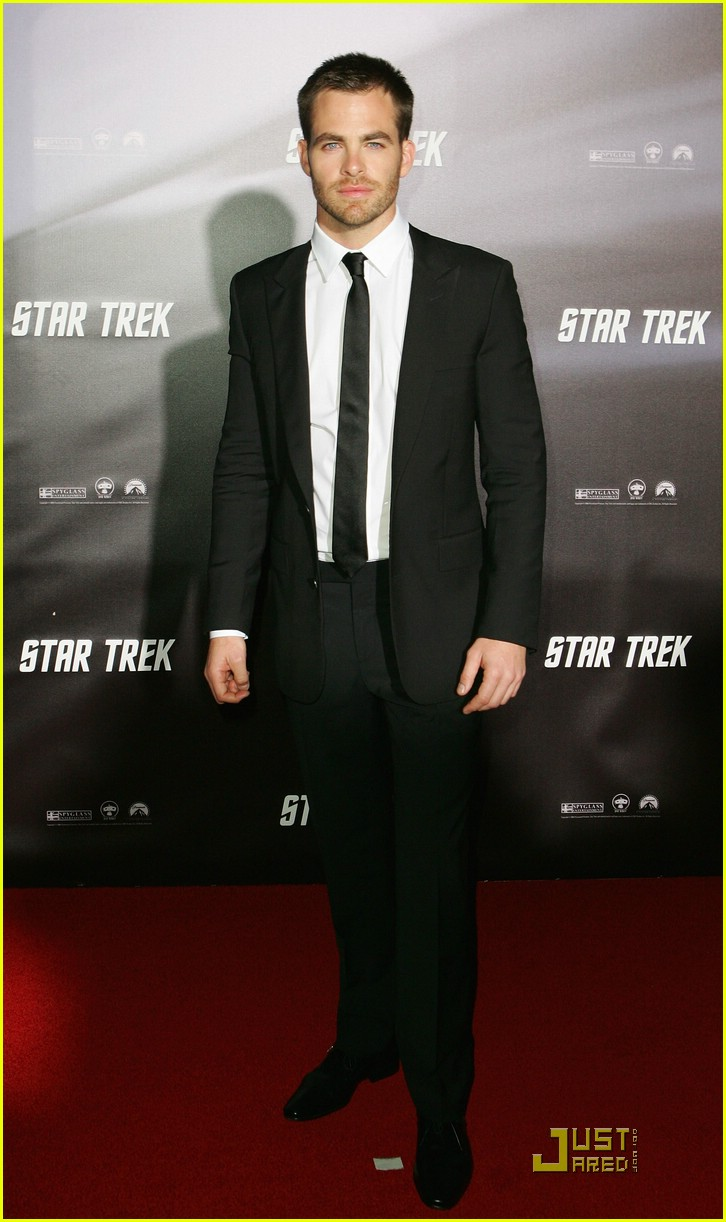 chris pine zachary quinto star trek world premiere 03