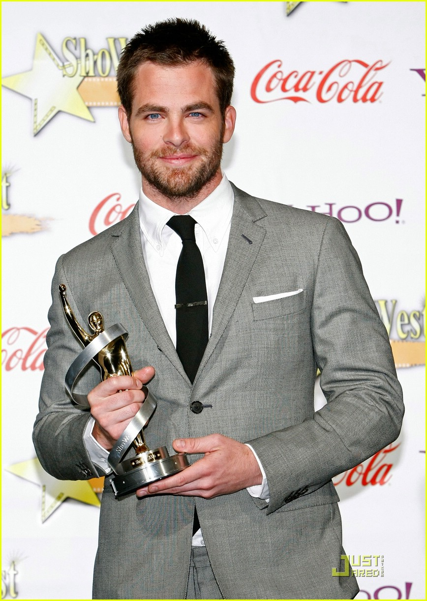 chris pine showest male star of tomorrow 20