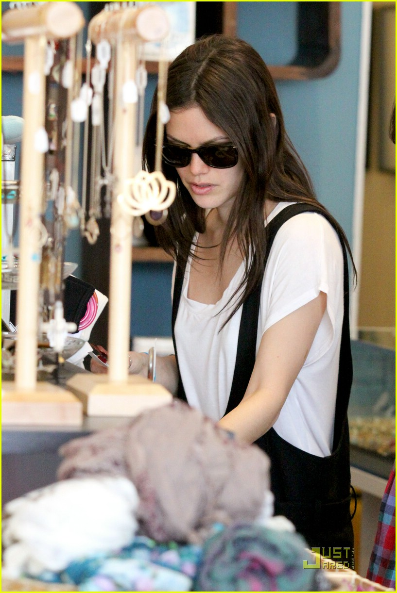 rachel bilson jumper joy 09