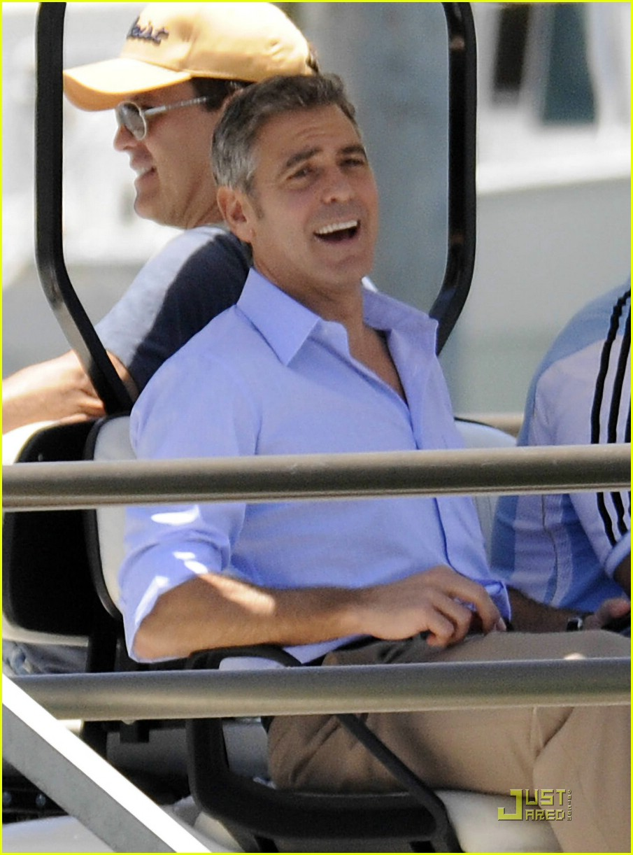 george clooney up in the air 04