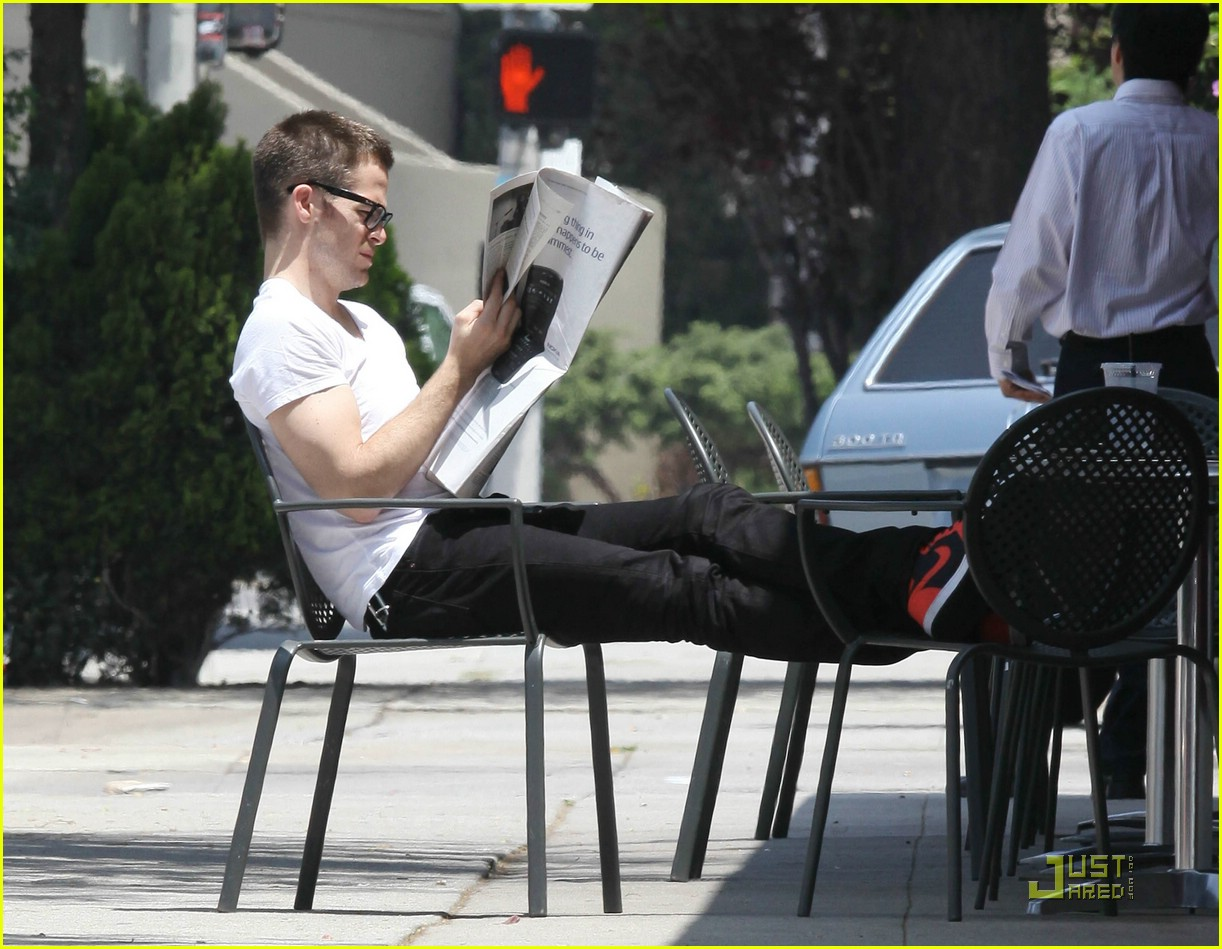 chris pine coffee 04