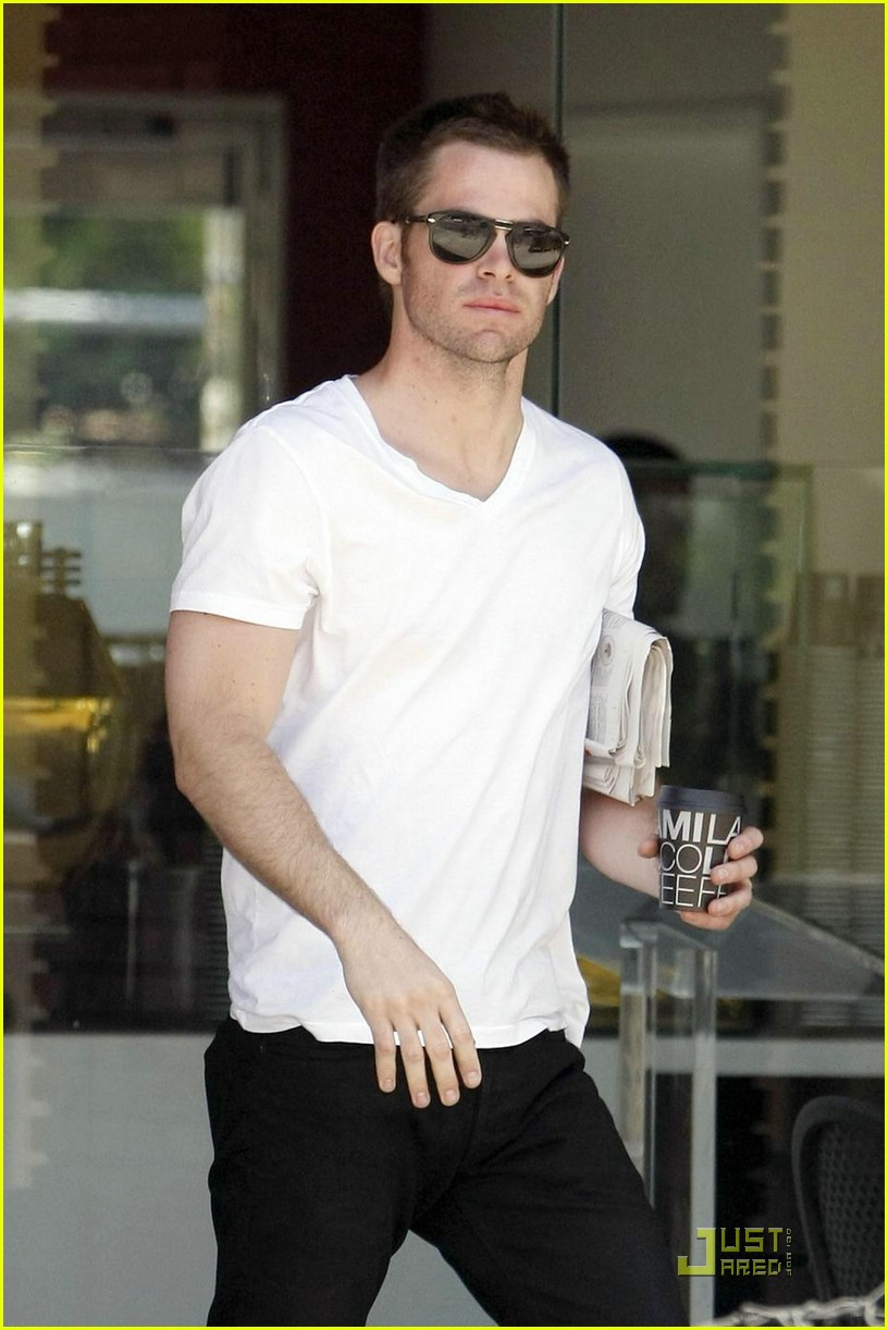chris pine coffee 16