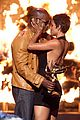 halle berry jamie foxx kissing 26