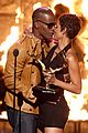 halle berry jamie foxx kissing 28
