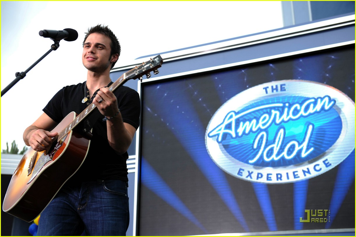 kris allen minnie mouse 02