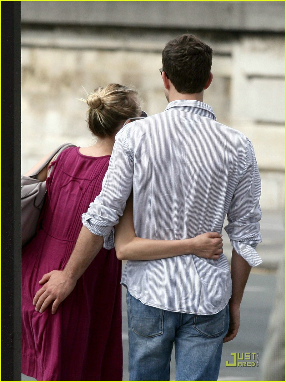 diane kruger joshua jackson kissing couple 13