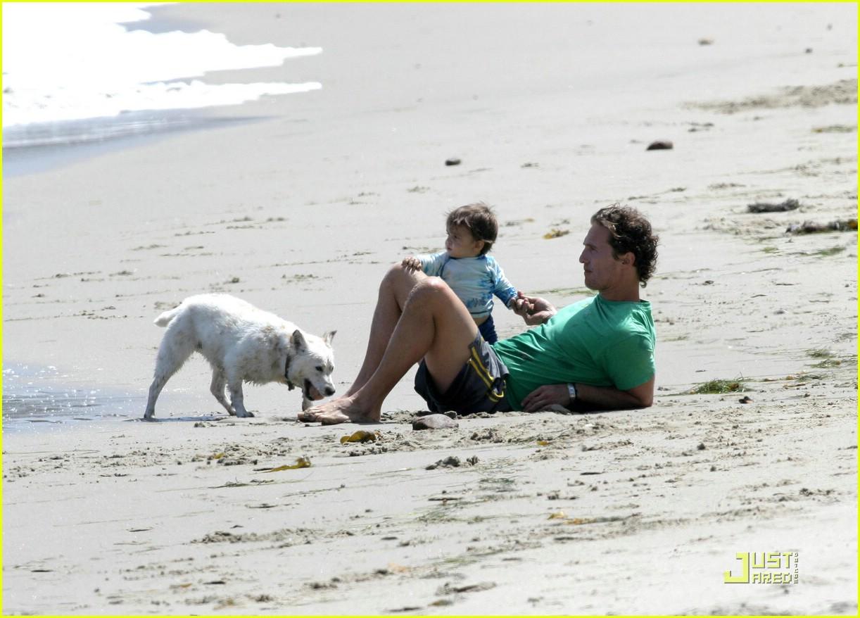 levi mcconaughey beach 01