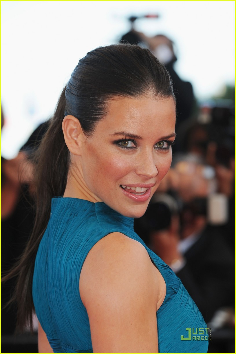 evangeline lilly cannes classy 24