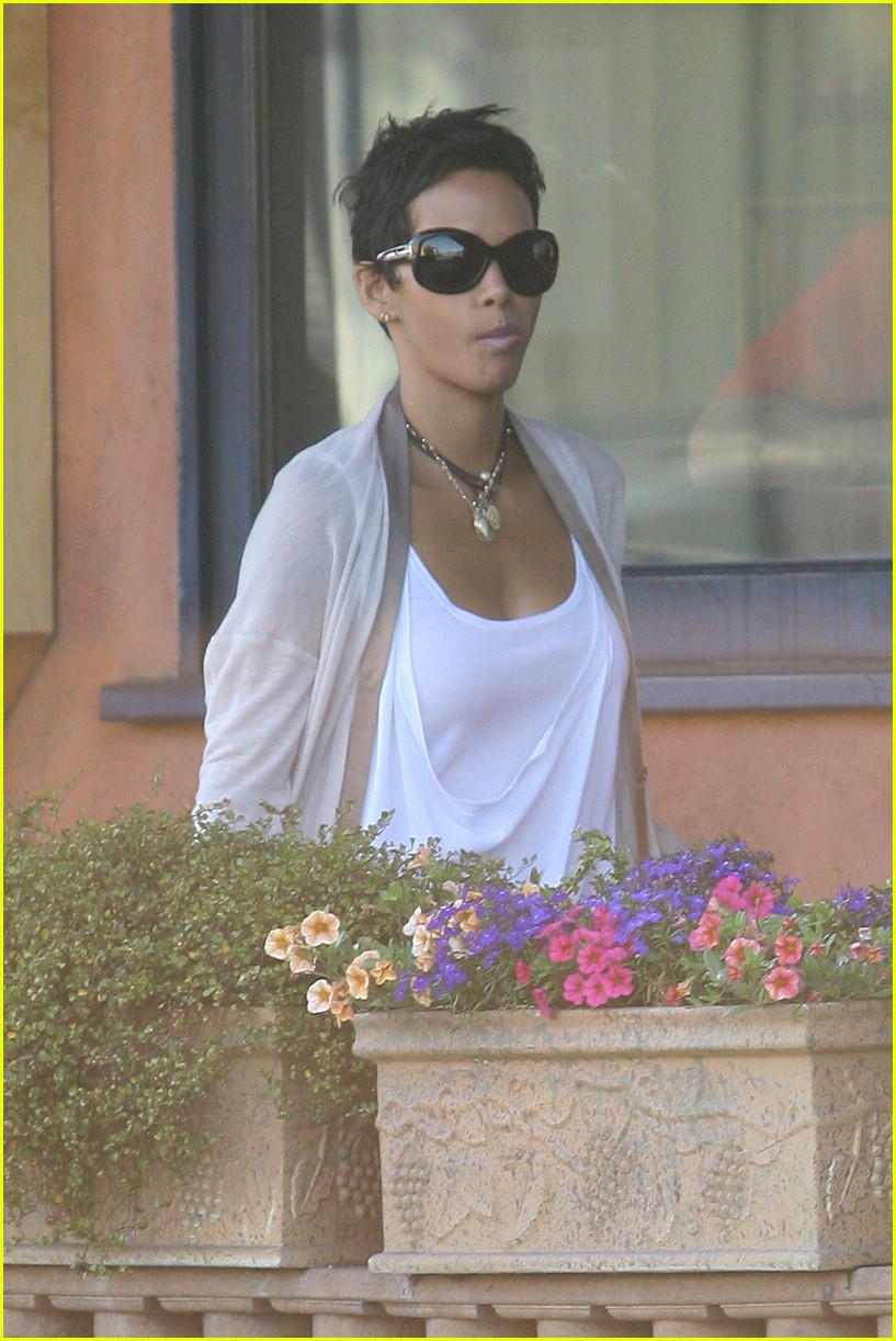 halle berry new short hair 01