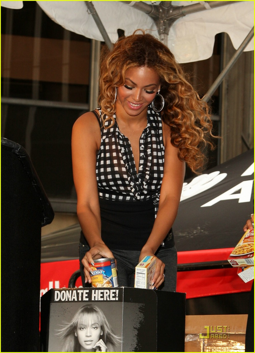 beyonce show your helping hand 13