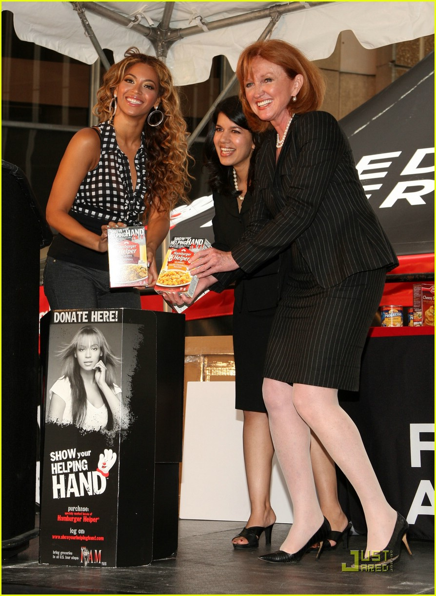 beyonce show your helping hand 22